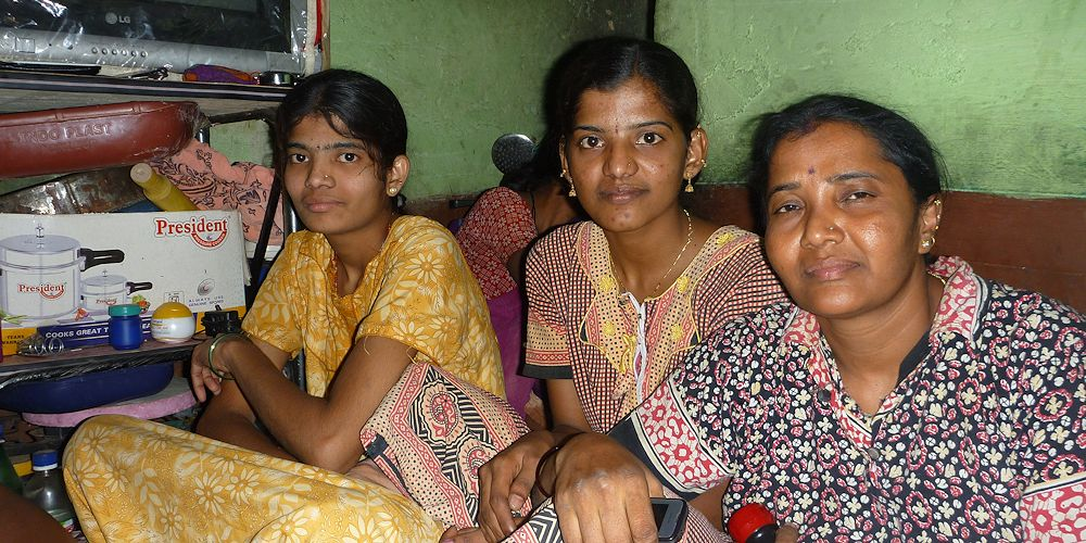 Factory workers in Bangalore 2015 © FEMNET