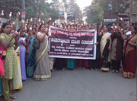 Women in black demonstration. Photo: © Garment Labour Union (GLU), Bangalore