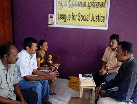 Sitzung der neuen NRO League for Social Justice. Foto: © READ