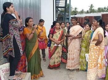 Mitarbeiterinnen von Munnade bei einem Training. Foto: © FEMNET