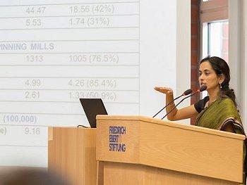 Dr. Anibel Ferus-Comelo während ihres Vortrags. Foto: © Pat Röhring