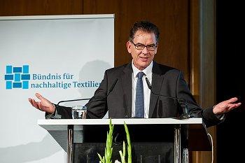 Bundesentwicklungsminister Dr. Gerd Müller. Foto: © Bündnis für nachhaltige Textilien