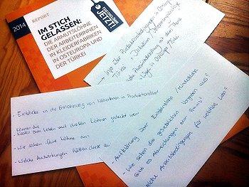 """Im Workshop konnten die Fragen der Studierenden beantwortet werden. Wichtiges Informationsmaterial ist die Studie """"Im Stich gelassen"""". Foto: © FEMNET e.V."""