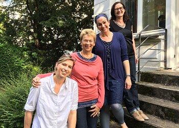Der Vorstand 2017: v.l.n.r.: Susanne Kupka, Gisela Burckhardt, Vanessa Puellen, Britta Amorin (es fehlt Anna Hoff). Foto: © FEMNET