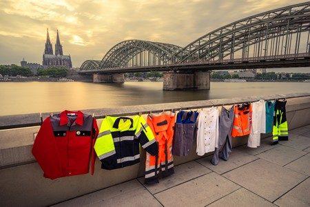 Zukünftig auch in Köln öko-faire Schutzbekleidung. Foto: © FEMNET/Tobias Wesseling