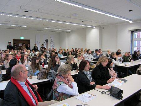 Studierende und Lehrende der Hochschule Niederrhein