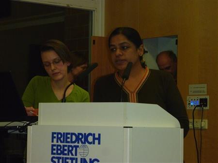 Anita Cheria aus Bangalore und Übersetzerin Christiane Kühnrich